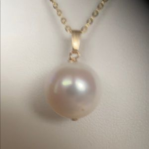 11.3 White Cultured Pearl on Gold Chain Necklace